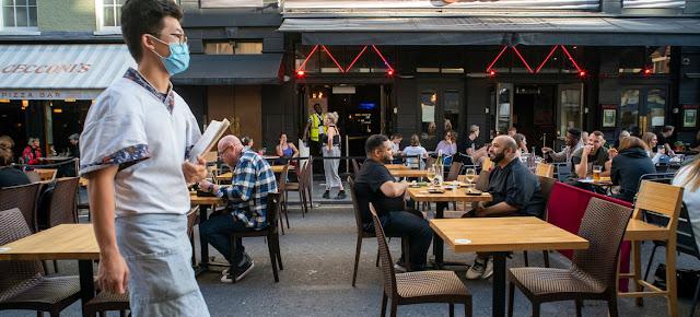 Un restaurante en Londres en medio de la pandemia de COVID-19-IMF/Jeff Moore