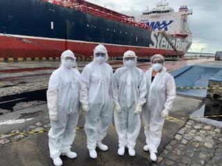 Exames de seis tripulantes isolados em navio dão positivo para Covid-19