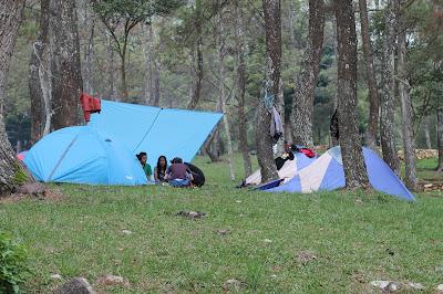 Foto dari jauh tenda kita
