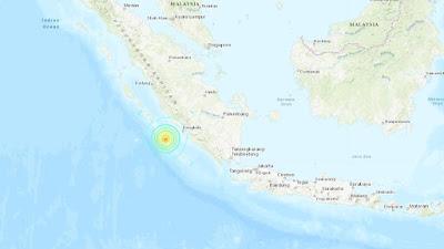 DOS POTENTES SISMOS DE 6,8 Y 6,9 GRADOS SACUDEN INDONESIA