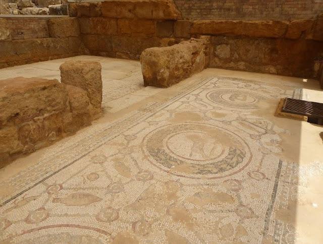 pavimento con mosaici nel quartiere ellenistico romano