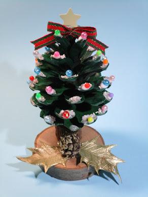 12月13日(日) 星が輝く松ぼっくりツリー作り!
