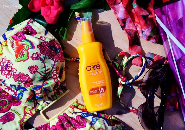 Care Sun+ Wodoodporne mleczko nawilżająco-ochronne w sprayu SPF 15