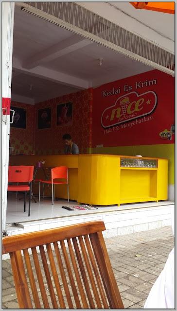 """Tempat Nongkrong di Probolinggo: """"Kedai ice cream Nice"""""""
