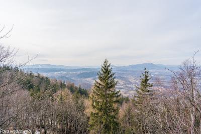 Spojrzenie na Wałbrzych ze szczytu Wołowca