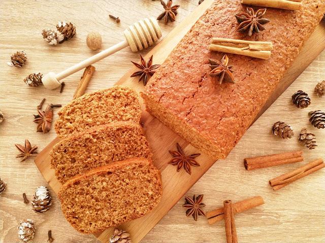 Świąteczny chleb miodowo-korzenny (Pain d'epices)