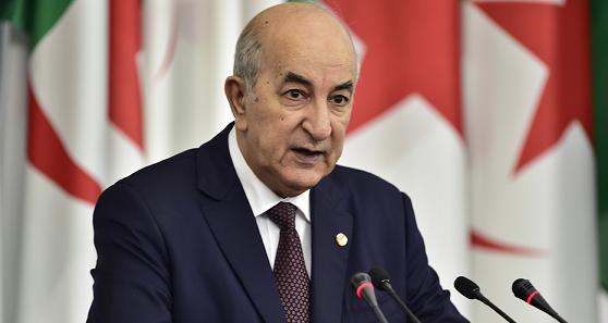 الرئيس الجزائري يعفو عن بعض نشطاء حركة الاحتجاجات