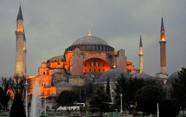 Τούρκοι του ISIS σπειλούν ότι θα κατεδαφίσουν την Αγιά Σοφιά