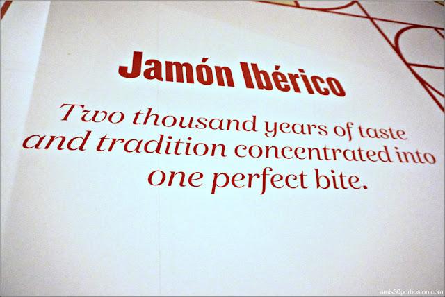 Puesto de Jamón y Queso del Mercado Little Spain en Nueva York