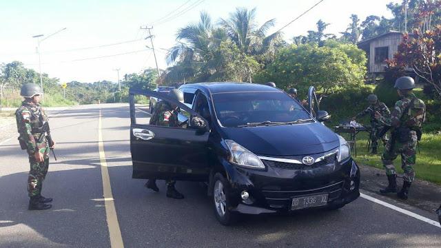 Antisipasi Gangguan Keamanan di Perbatasan, Satgas Yonif PR 328 Kostrad Gelar Sweeping