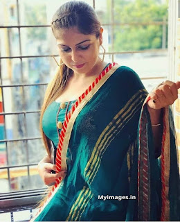 Girl image simple indian Navel Queens