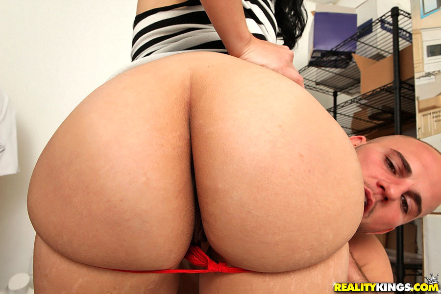 Sexy latina violet vasquez rams cucumber up her tight pussy 6