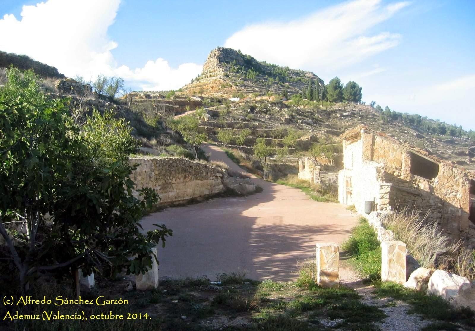 castillo-ademuz-cementerio