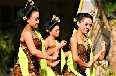Tari Gambyong Berasal Dari Jawa Tengah