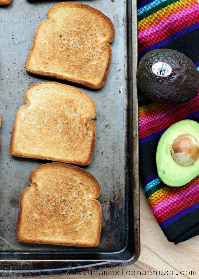 3 maneras de servir pan tostado con Aguacates de México by www.unamexicanaenusa.com