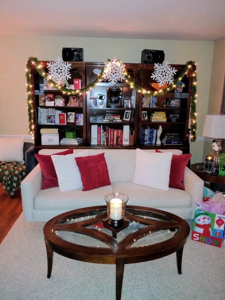 "The Chic Technique's ""Christmas 2020 Home Tour"""