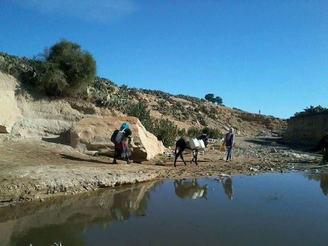 حفوز :  ارض تجري من تحتها الانهار و سكان اريافها عطشى