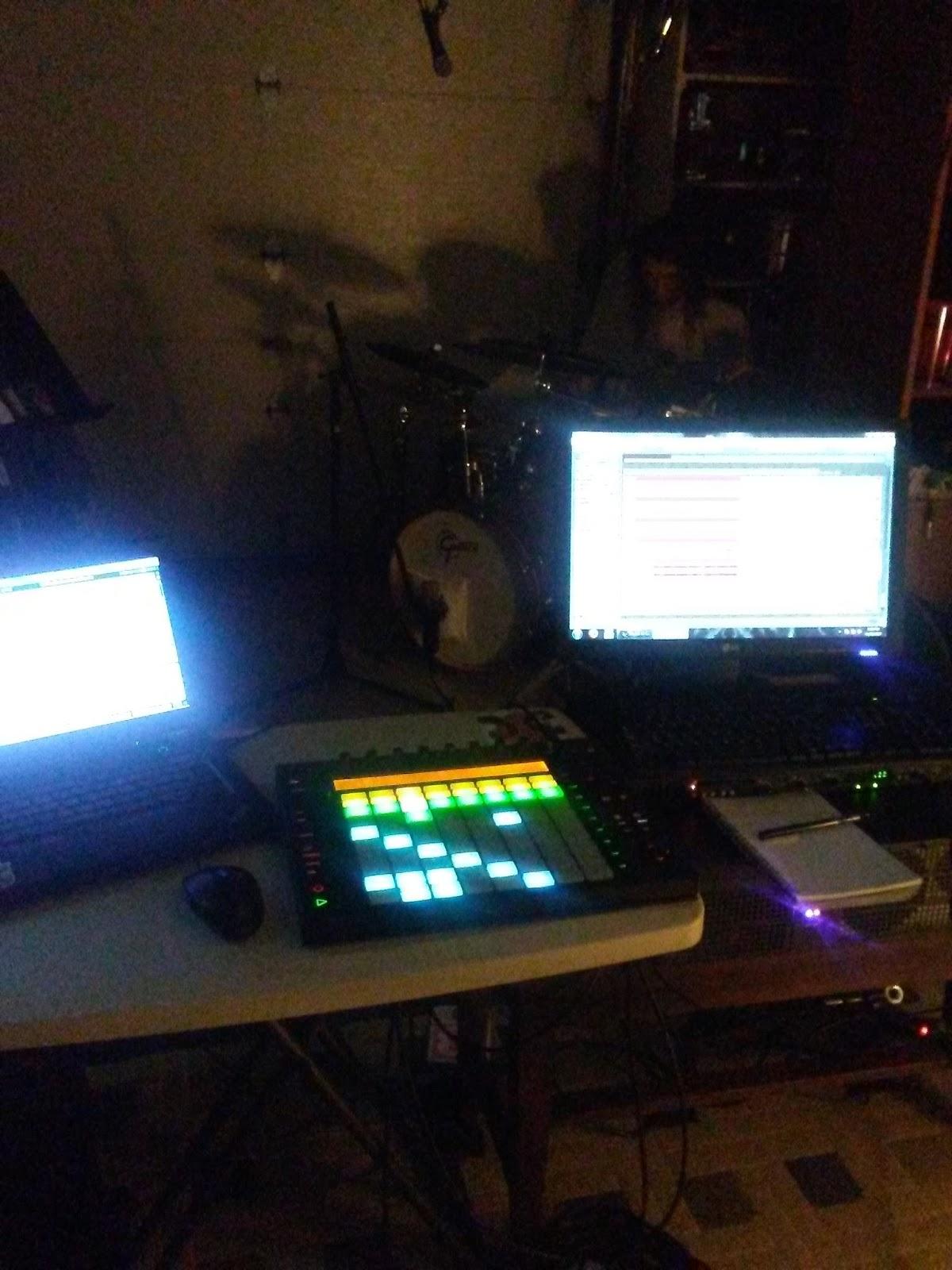 Electronic / Rock group