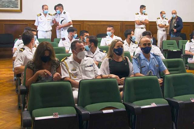 Agregados de Defensa y Naval de Argentina (ESUBMAR).