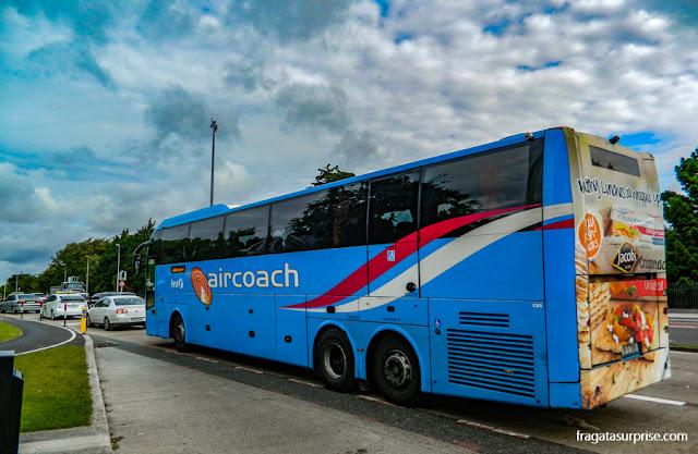 Aircoach, ônibus que liga o Aeroporto de Dublin ao Centro da cidade