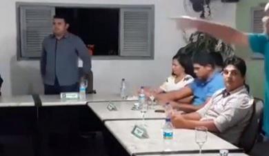 PARAÍBA: Desentendimento entre vereadores quase termina em briga dentro da Câmara
