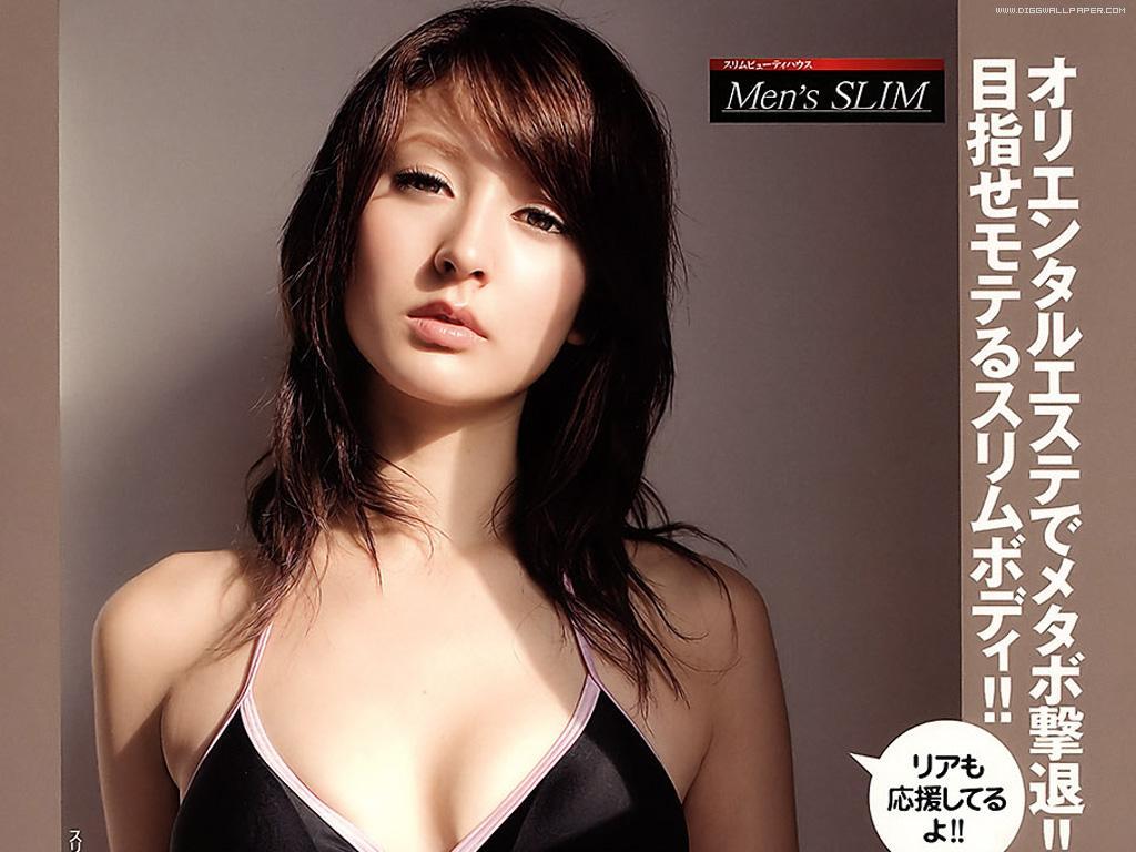 HOT CELEBRITY: Sexy Hot Naked Boobs Leah Dizon Japan Model