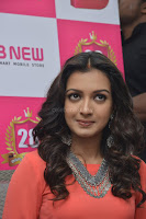 Catherine Tresa in Orange Kurti top and Plazzo at Launches B New MobileStore at Kurnool 10.08.2017 021.JPG