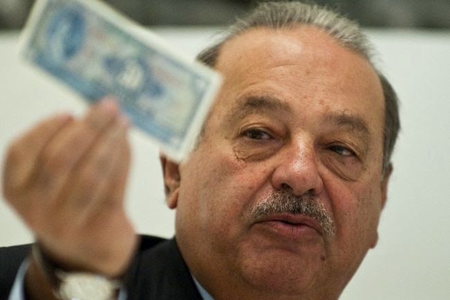 Carlos Slim gives free money away