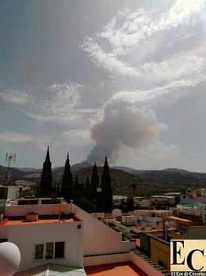 Incendio forestal de Valleseco visto desde Arucas