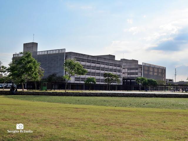 Vista ampla das ETECs do Parque da Juventude - Santana / Carandiru - São Paulo
