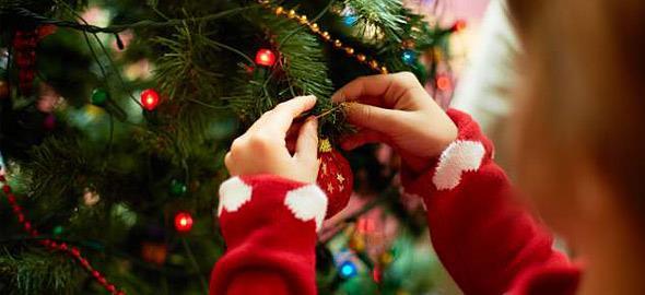 Οι ψυχαναλυτές έχουν κάτι να πουν σε όσους στολίζουν από νωρίς για τα Χριστούγεννα...