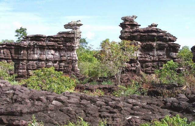 formações rochosas - Alenquer – Pará