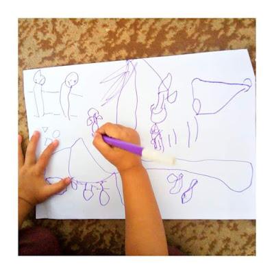 manfaat menggambar bebas pada anak