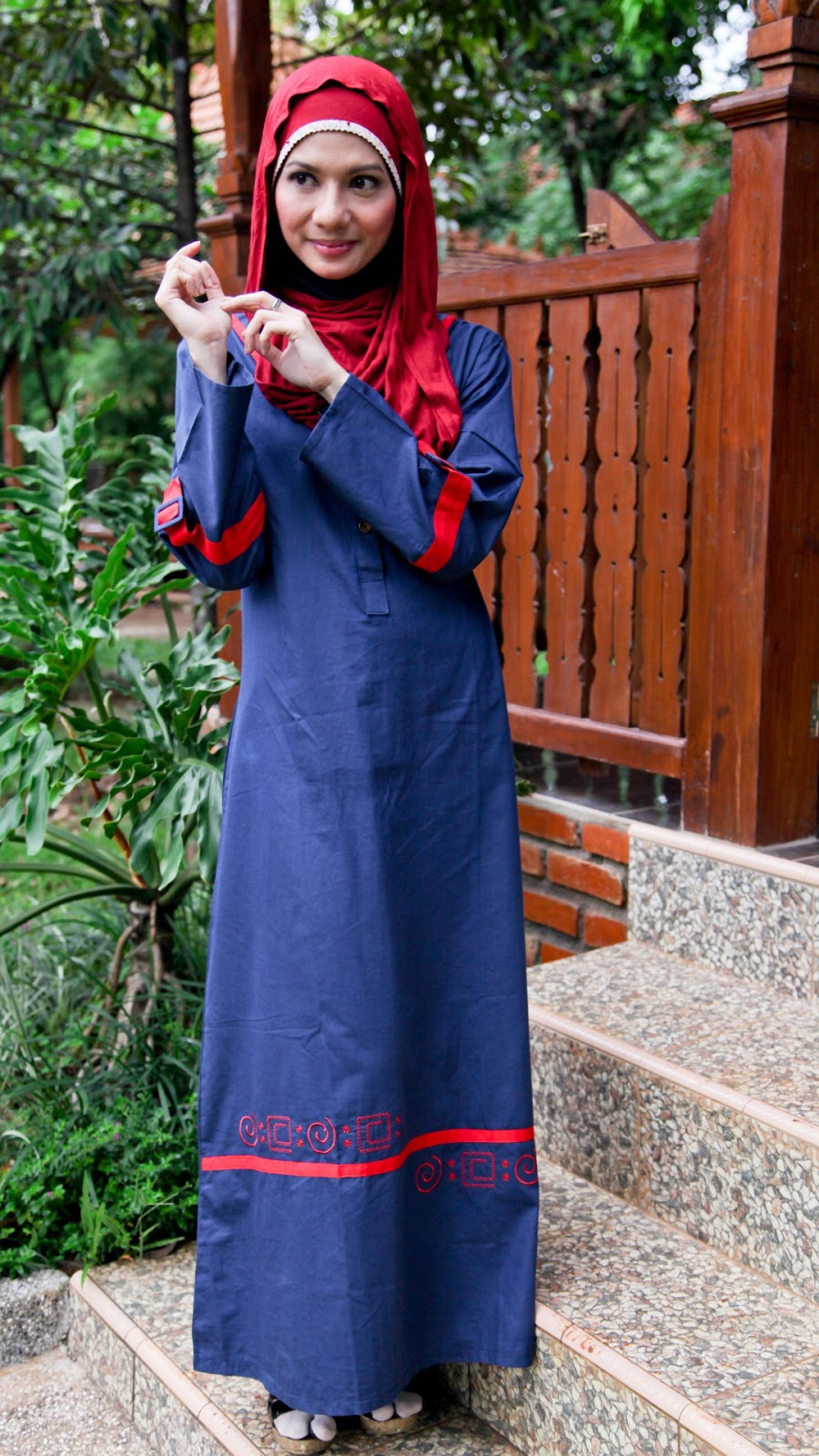 wallpaper muslimah cantik hijab gamis manis biru Donker
