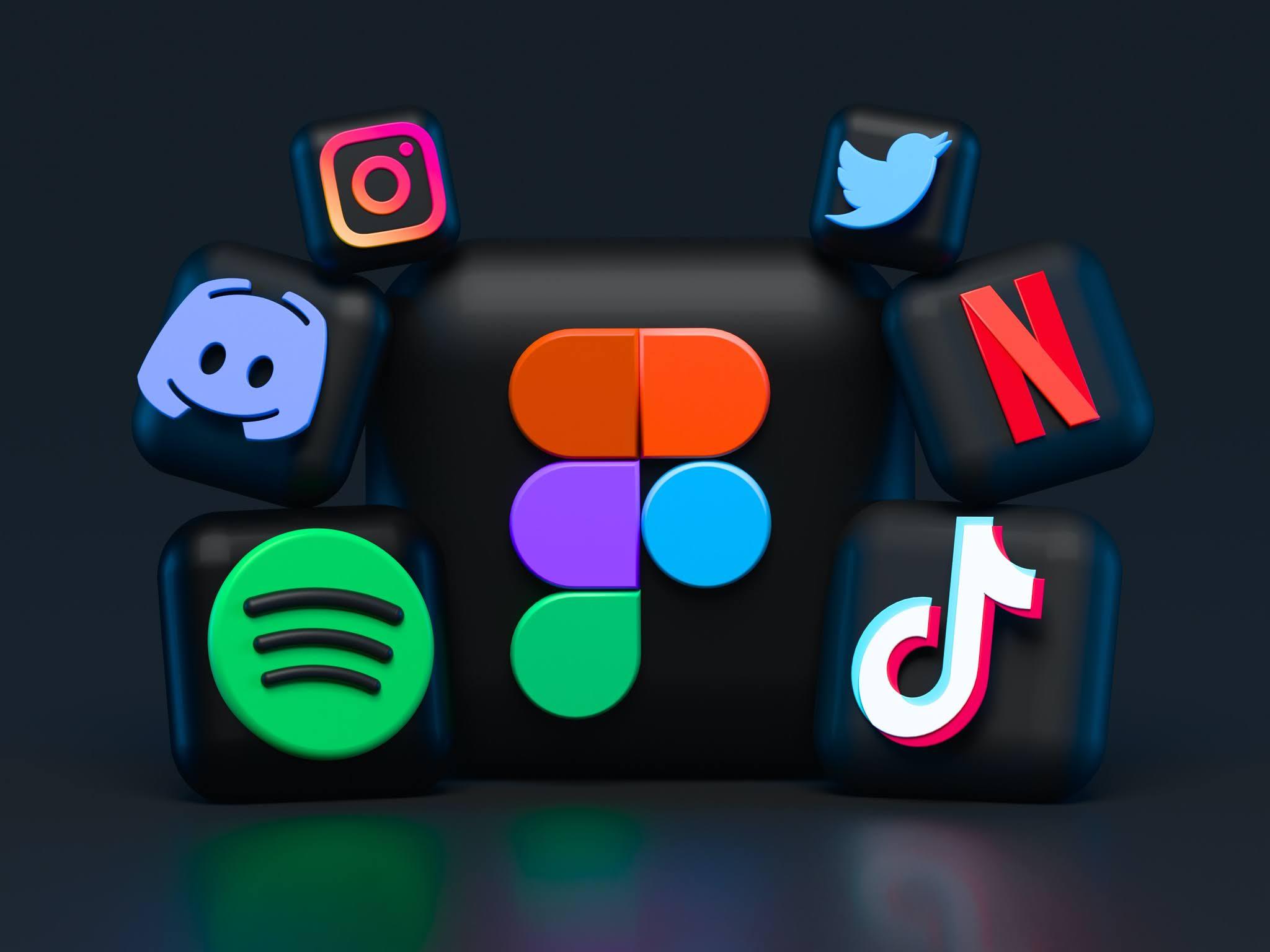Facebook, Pinterest, Tiktok, Instagram