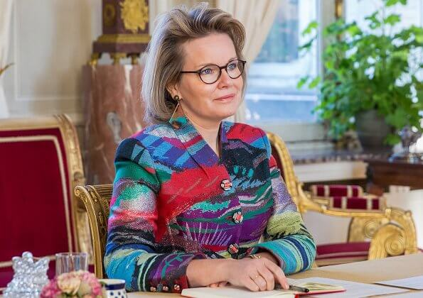 Queen Mathilde wore a giacca blazer from Giorgio Armani