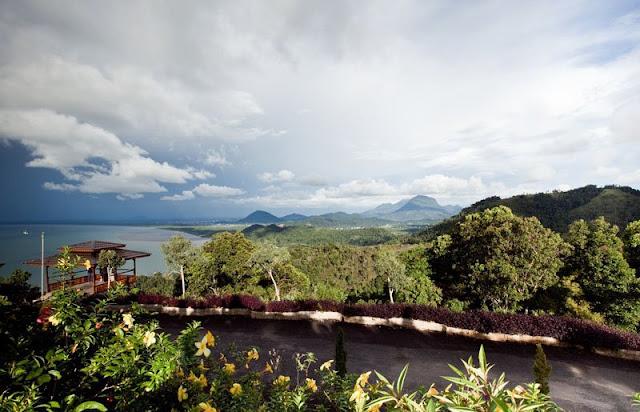 Mengintip Pesona Bukit Rindu Alam, Wisata Alam Komplit di Singkawang