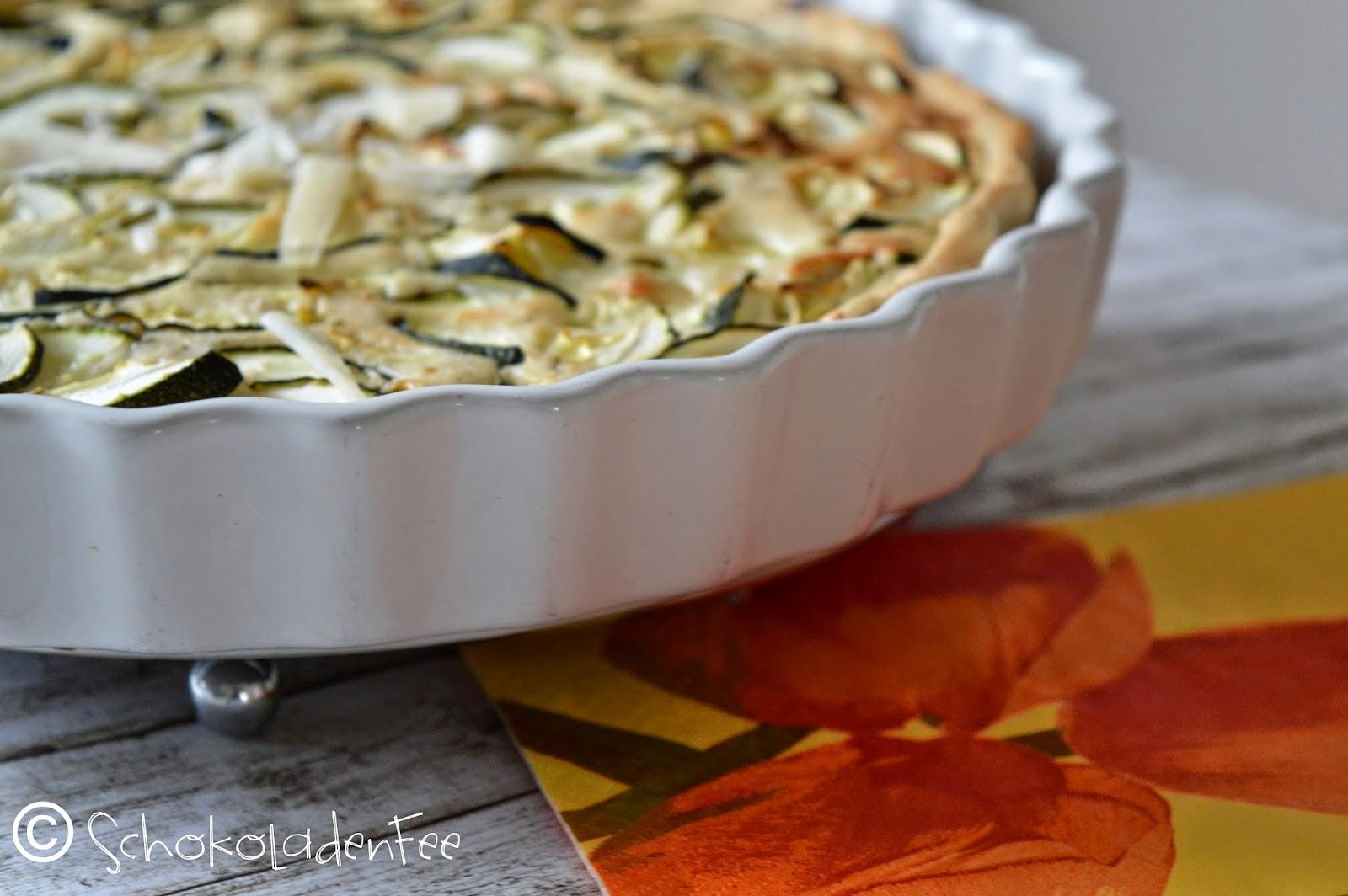 http://schokoladen-fee.blogspot.com/2015/03/zucchini-trifft-cashew-tarte.html