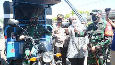 Warga Desa Terisolir Dapat Vaksin, Sembako dan Kendaraan Roda 3