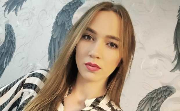 Ања Новак – МИРИС РУЖА