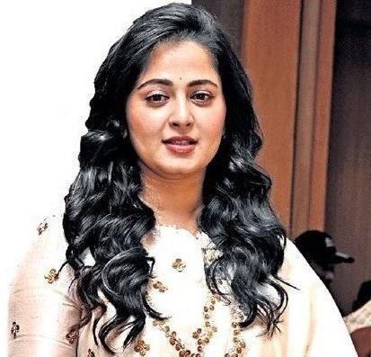 Anushka Shetty Black Medium Hairstyle