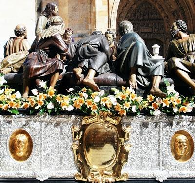 Paso de la Sagrada Cena. León. Hermandad de Santa Marta y de la Sagrada Cena. Foto G. Márquez.