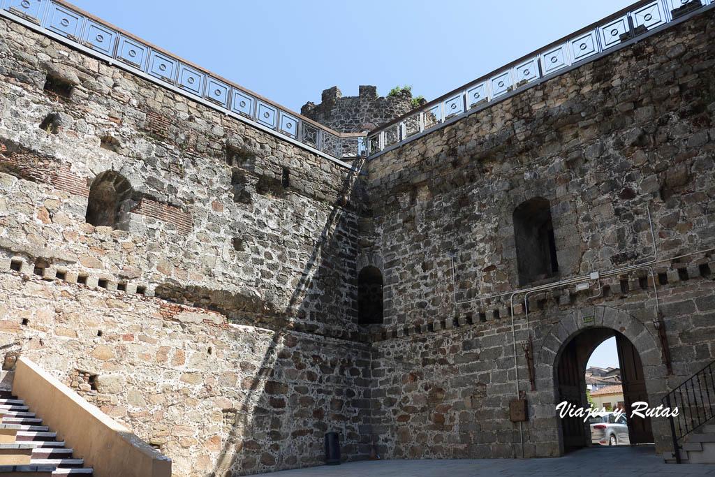 Interior del Castillo de Arenas de San Pedro