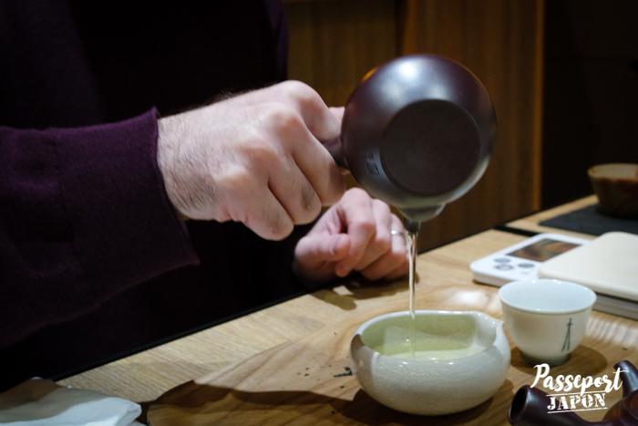 Préparation du thé, atelier Thés du Japon, Yanaka, Tokyo