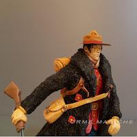 modellini da collezione personaggi fumetti realizzati statuette fucile custom orme magiche