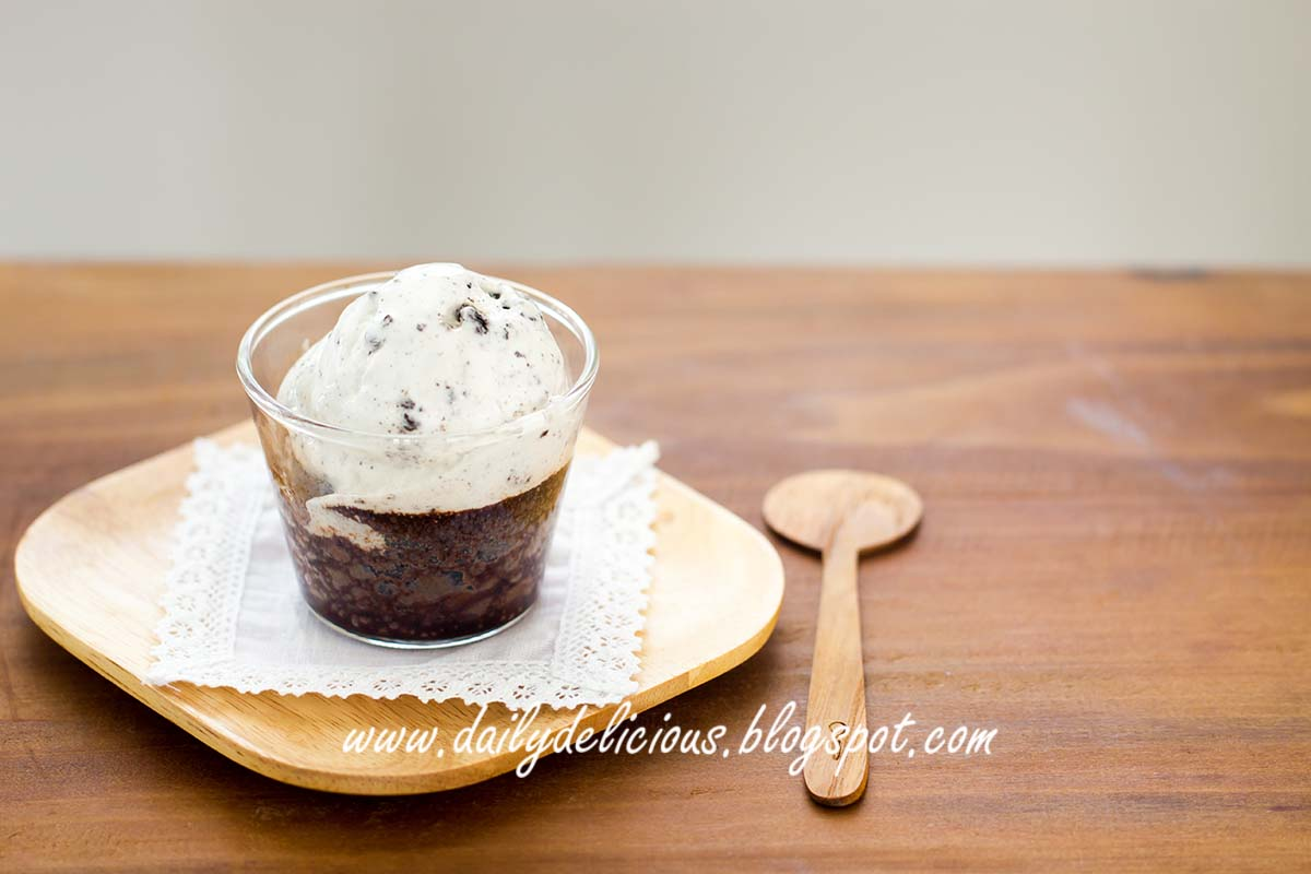 dailydelicious: You ask for it!: Microwave chocolate fudge cake