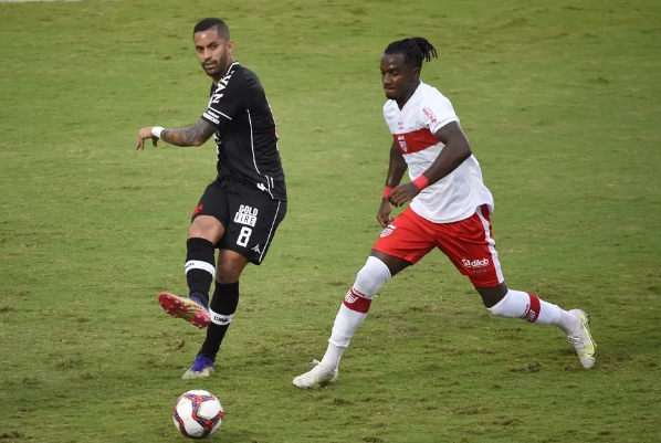 Vasco supera o CRB pela quinta rodada da Série B