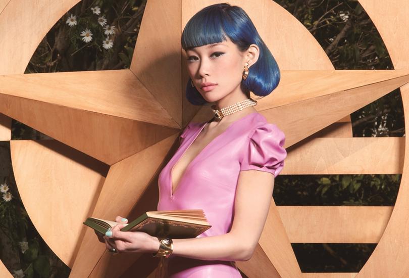 Album review: Mademoiselle Yulia - Mademoworld | Random J Pop