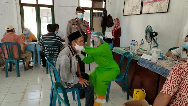 Patikan vaksinasi berjalan lancar Personil Posek Sematu Jaya pam vaksinasi covid 19