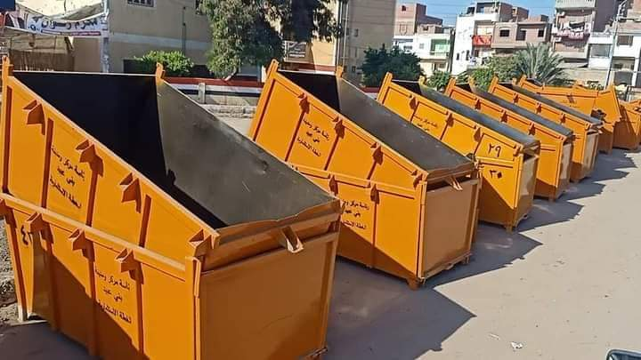قابيل يستقبل ١٣٠ حاوية وصندوق جديد لجمع القمامة بمركز بنى عبيد